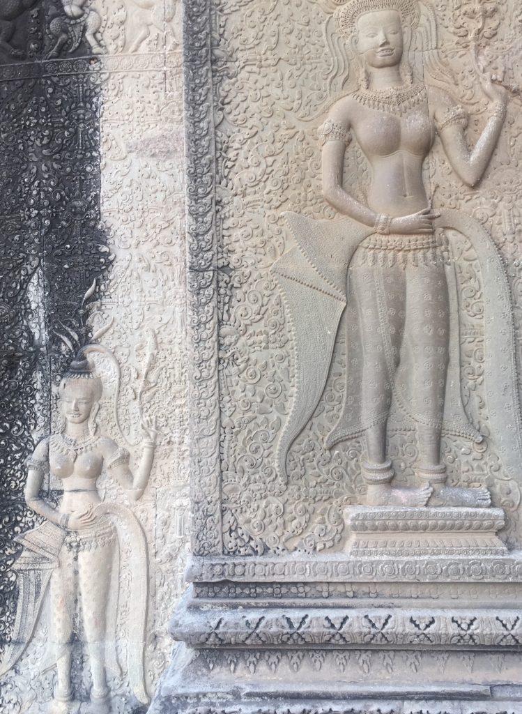smiling goddess, Angkor wat